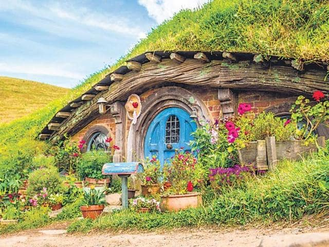 The-Hobbiton-movie-set