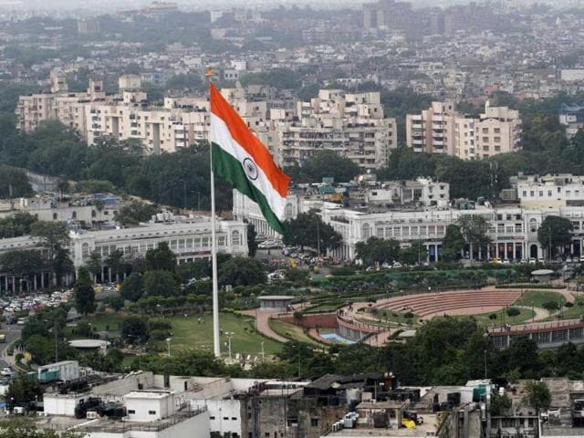 The national flag flutters at Connaught Place Central Park in New Delhi. (Virendra Singh Gosain/HT Photo)