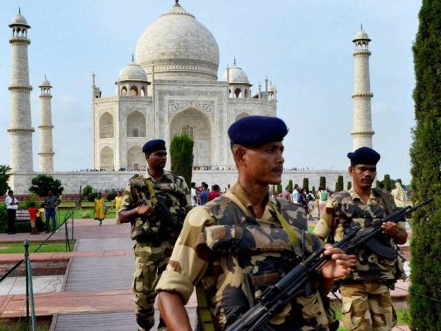 Barack-Obama-will-not-be-visiting-the-Taj-Mahal-as-he-decided-to-cut-the-Agra-leg-of-his-trip-PTI-file-Photo