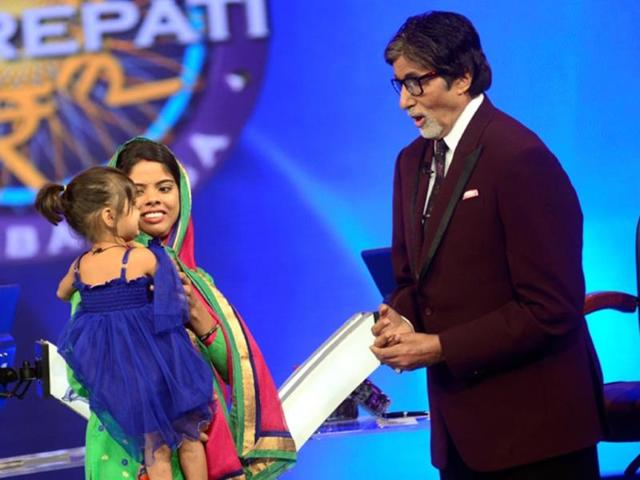 Khushboo-Singh-poses-with-her-daughter-who-was-named-Naveli-by-Bollywood-superstar-Amitabh-Bachchan-on-this-season-s-KBC-The-episode-will-be-aired-on-Sunday-HT-photo