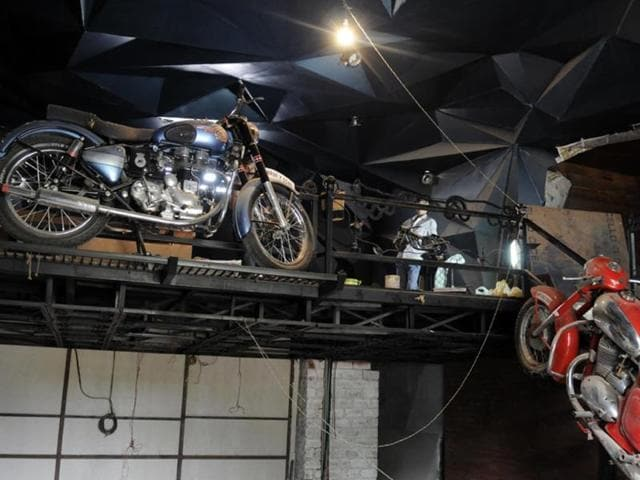 An-Indore-based-entrepreneur-will-soon-open-a-caf-that-will-carry-the-theme-of-vintage-and-cult-bikes-Work-on-the-restaurant-is-underway-Amit-K-Jaiswal-HT-photo