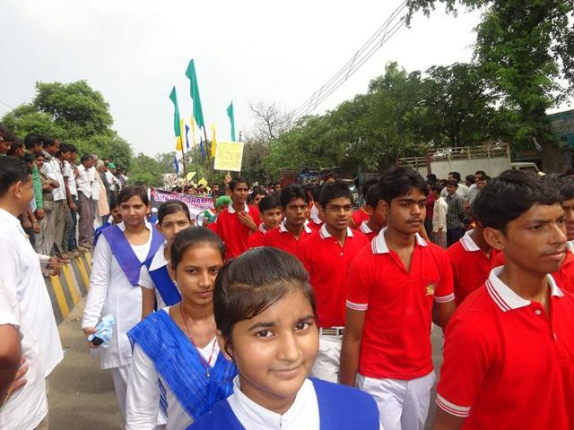 Students-take-part-in-a-rally-to-promote-communal-harmony-in-Muzaffarnagar-HT-Photo