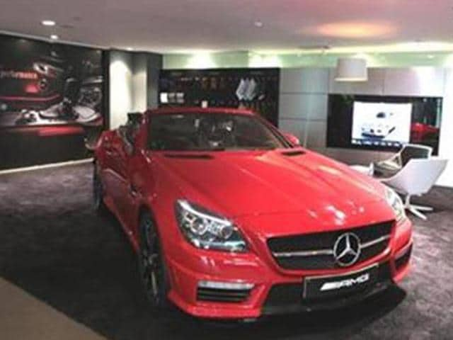Mercedes-to-improve-showroom-experience