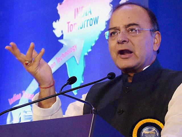 Finance minister slams CM over tainted leaders