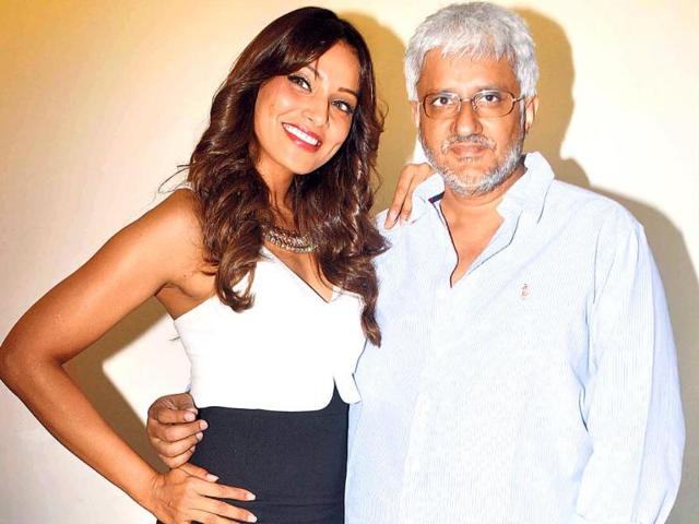 Bipasha-Basu-and-Vikram-Bhatt-at-a-promotional-event-for-Creature-3D-Photo-Yogen-Shah