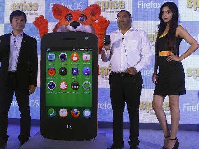 James-Ho-along-with-Prashant-Bindal-at-the-launch-of-Spice-Fire-One-Mi-FX1-in-New-Delhi-Photo-Virendra-Singh-Gosain-Hindustan-Times