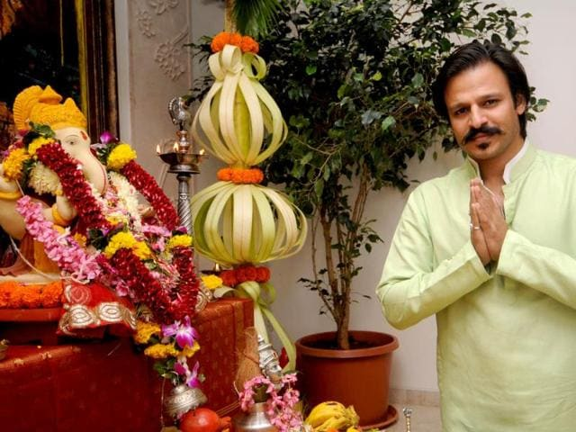 Vivek-Oberoi-during-the-Ganesh-Chaturthi-celebrations-at-his-residence-in-Mumbai-on-August-29-2014-IANS
