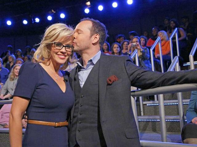 Jenny McCarthy marries pop star Donnie Wahlberg