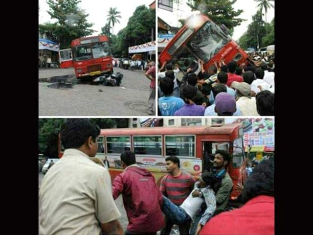 Pune bus tilted