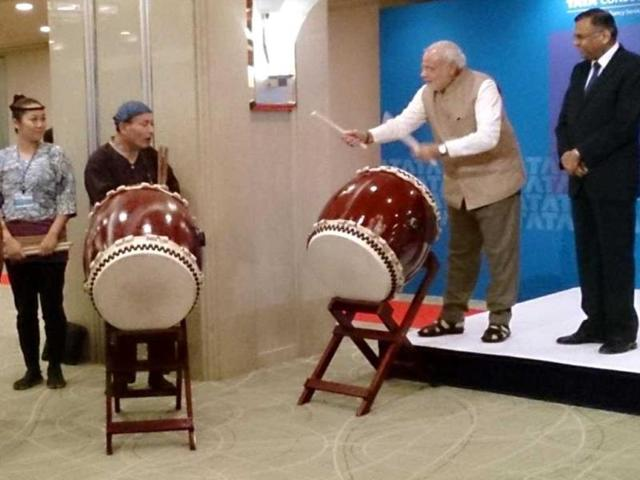 Prime-Minister-Narendra--Modi-plays-the-Taiko-drums-in-Tokyo