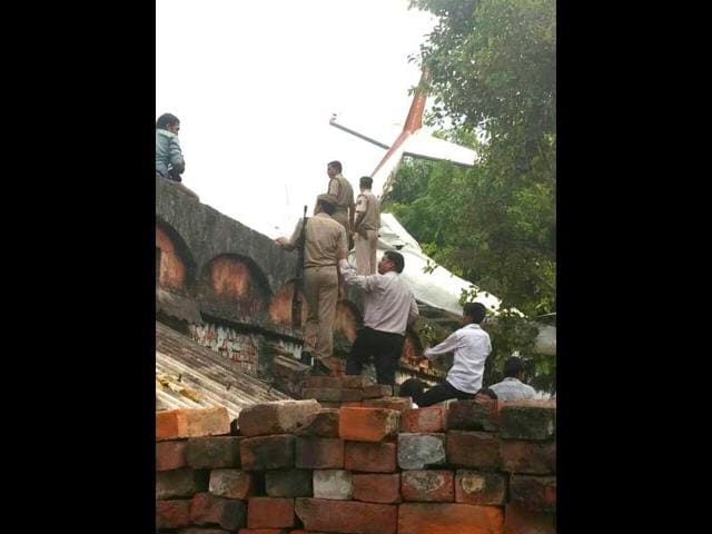 Police-inspects-the-crash-site-HT-Photo