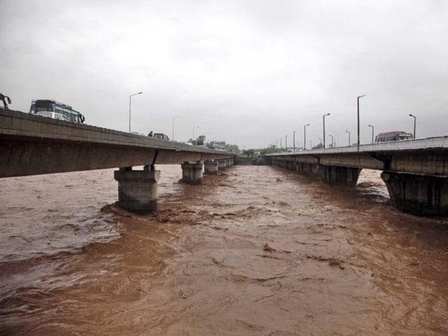 kashmir floods,j&k floods,insurance claims