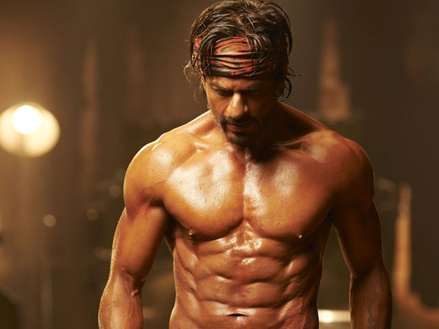 Shah-Rukh-Khan-flaunts-eight-packs-abs-in-Happy-New-Year-Photo-credit-Avinash-Gowariker