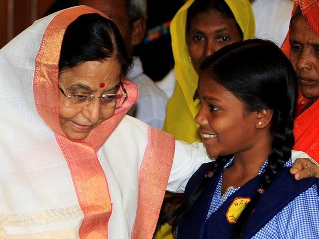 Rekha-Kalindi-right-with-former-president-Pratibha-Singh-Patil