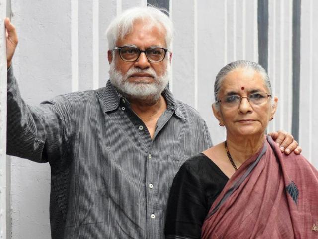 Manu-Parekh-with-wife-Madhavi