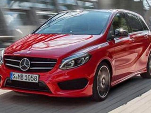 Mercedes-reveals-B-class-facelift