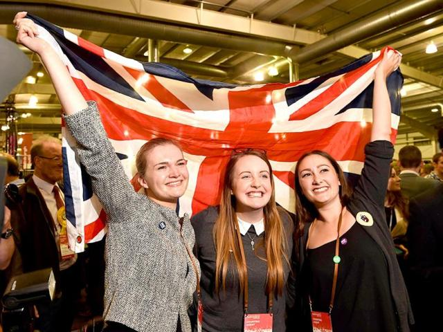Pro-Union-supporters-celebrate-as-Scottish-referendum-polling-results-are-announced-at-the-Royal-Highland-Centre-in-Edinburgh-AFP-Photo