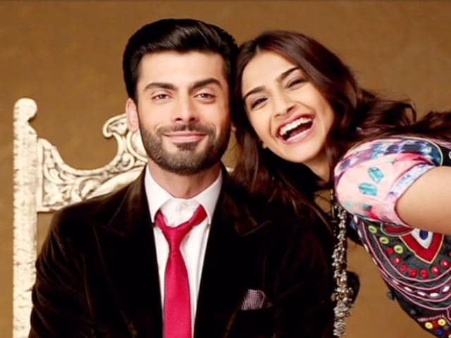 Bollywood-actors-Sonam-Kapoor-and-Fawad-Khan-visited-Indore-on-Saturday-for-the-promotion-of-their-upcoming-movie-Khoobsurat-Shankar-Mourya-HT-photo