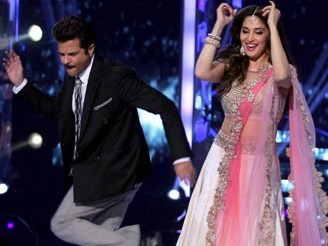 Anil Kapoor and Madhuri Dixit enjoy a dance on the sets of Jhalak Dikhhla Jaa 7. (AFP Photo)