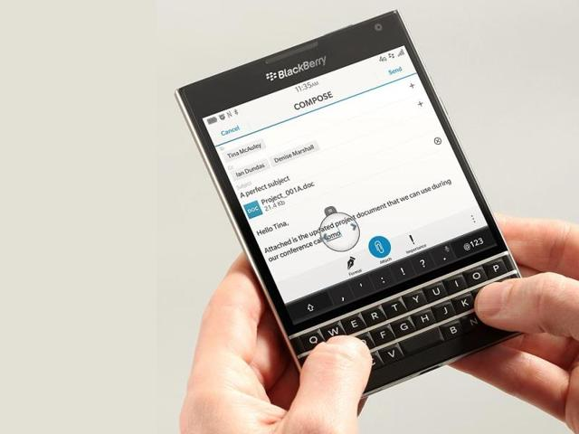 BlackBerry-Passport-Photo-AFP