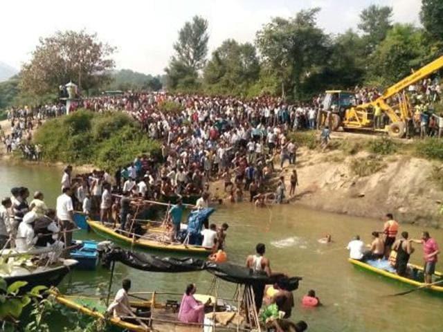 Himachal Pradesh,Himachal bus accident,Ashok Kumar