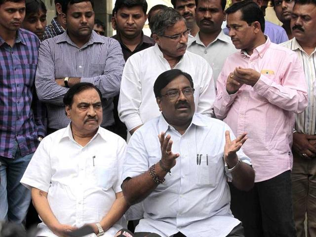 BJP-leaders-Eknath-Khadse-and-Sudhir-Mungantivar-address-the-media-on-the-Sena-BJP-seat-sharing-row-in-Mumbai--Anshuman-Poyrekar-HT-photo