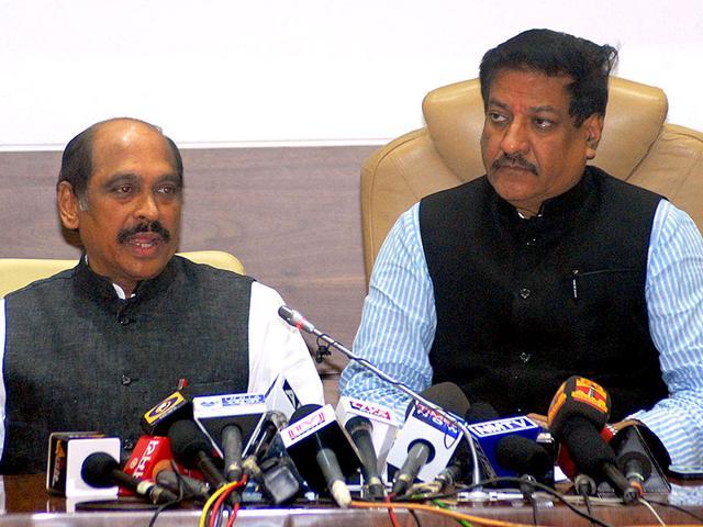 Maharashtra-CM-Prithviraj-Chavan-addressing-the-press-at-his-Varsha-bungalow-in-Mumbai-The-NCP-pulled-the-plug-off-the-Congress-in-the-state-Shakti-Yadav-HT-photo