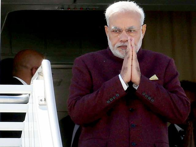 Narendra-Modi-walks-out-of-the-airplane-as-he-arrives-at-JFK-airport-in-New-York-Reuters-Photo