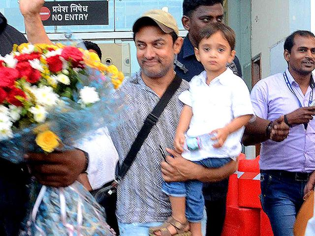 Bollywood-star-Aamir-Khan-with-his-son-Azad-With-those-genes-this-junior-Khan-is-likely-to-create-waves-in-Bollywood-once-he-comes-of-age-Hindustan-Times-Photo