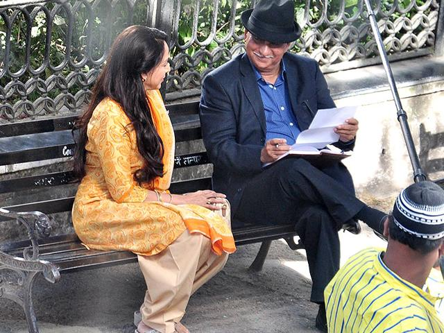 Hema-Malini-has-begun-shooting-for-Ramesh-Sippy-s-upcoming-film-Shimla-Mirchi-in-Shimla-Sippy-too-will-be-seen-in-a-cameo-in-the-movie-Browse-through-for-more-pics-from-the-sets-Photo-Santosh-Rawat-Hindustan-Times