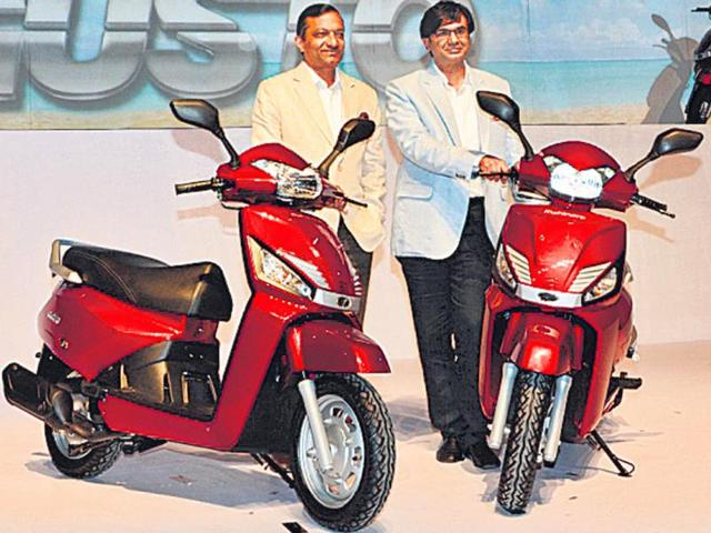 Pawan-Goenka-L-with-Rajesh-Jejurikar-at-the-launch-of-the-Gusto-in-Mumbai-on-Monday-Photo-HT