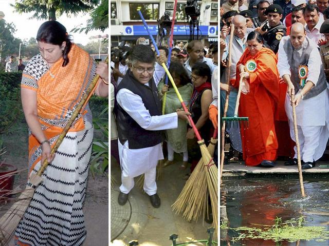 A-combo-photo-of-union-ministers-Smriti-Irani-Ravi-Shankar-Prasad-Uma-Bharti-and-Rajnath-Singh-lending-a-helping-hand-to-the-Clean-India-campaign-HT-Photo