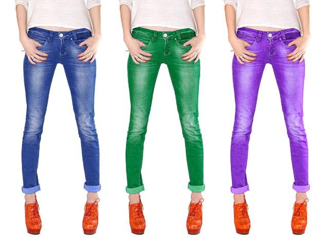 Bolder colours and prints in skinny jeans are becoming increasingly popular. When paired with pale tees or colour-blocked with solid colours, these jeans look catchy and trendy.