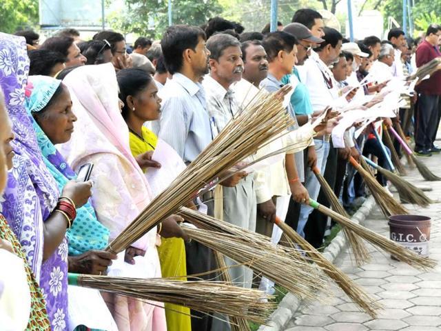 Swachh Bharat,Clean India campaign,Narendra Modi