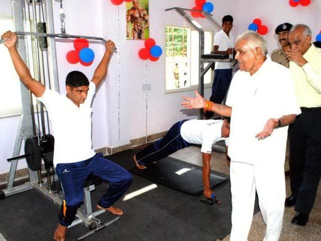 Madhya-Pradesh-home-minister-Babulal-Gaur-at-the-inauguration-of-the-first-police-gym-at-Police-Line-in-Bhopal-on-Saturday-HT-photo
