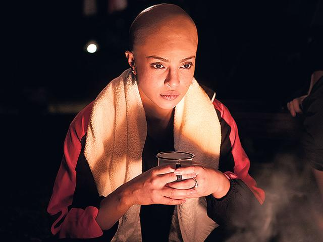 Priyanka-Chopra-For-a-crucial-sequence-in-the-Mary-Kom-biopic-Priyanka-went-for-a-bald-look-without-actually-shaving-her-head-The-makers-decided-to-use-prosthetics-since-she-had-to-be-in-that-get-up-only-for-a-couple-of-scenes-However-the-actor-was-quoted-as-saying-that-if-a-film-requires-her-to-shave-her-head-entirely-she-will-do-it