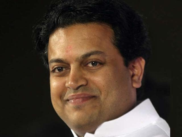 Amit-Deshmukh-son-of-late-CM-Vilasrao-Deshmukh-during-an-election-campaign-in-Latur-Kunal-Patil-HT-photo