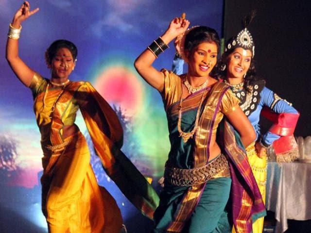Marathi theatre,Makarand Sathe,evolution of Marathi theatre