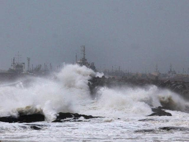 India Meteorological Department,cyclone nilofar,arabian sea