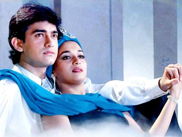 A-still-from-Dil-with-Aamir-Khan-and-Madhuri-Dixit