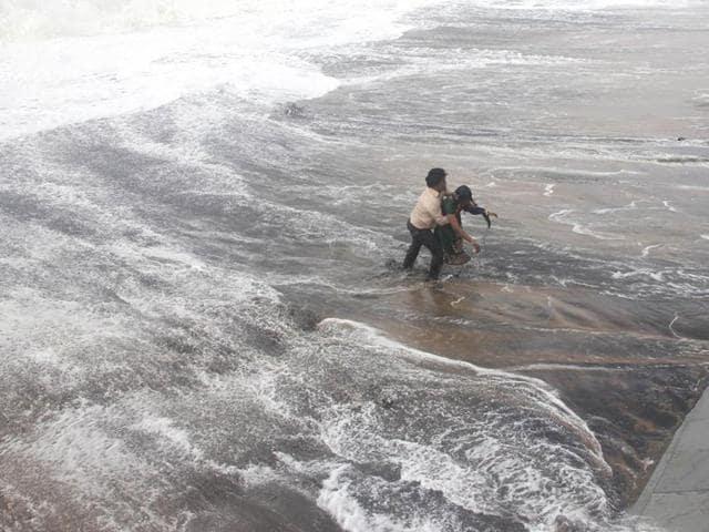 cyclone hudhud,andhra pradesh,odisha