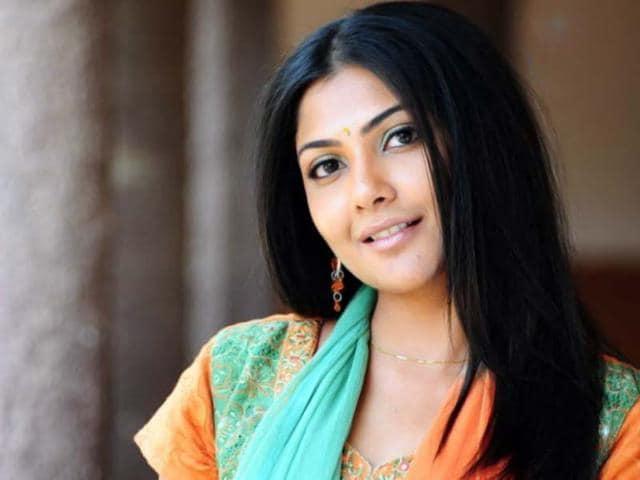 Actor,Kamalinee Mukherjee,Telugu