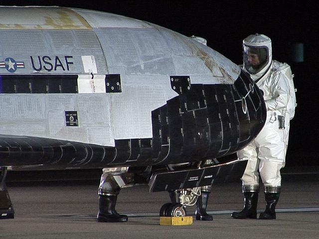 US Air Force,US jet X-37B,mysterious US plane