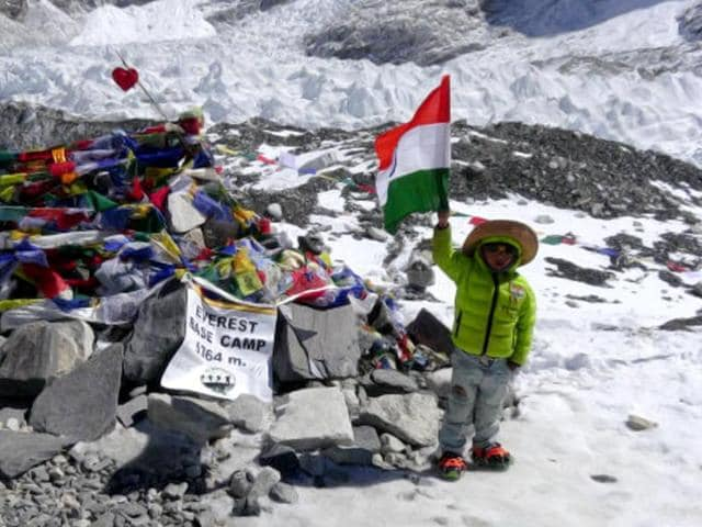 snowstorms,Harshit Saumitra,Everest Base Camp; world record