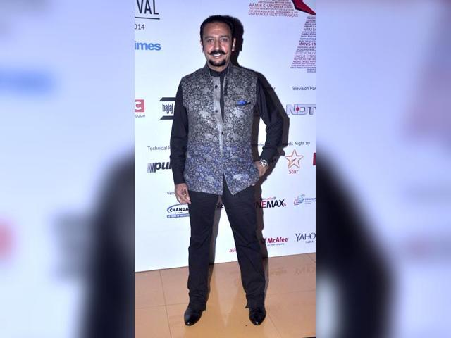 Karan-Johar-in-a-Bombay-Velvet-still