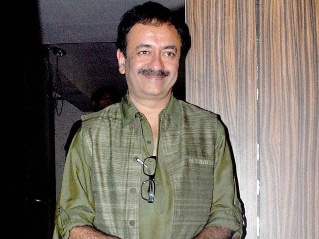 Aamir-Anushka-Rajkumar-Hirani-and-Vidhu-Vinod-Chopra-were-seen-at-the-teaser-launch-of-PK