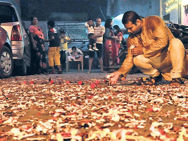 Maharashtra Pollution Control Board,Air pollution,diwali