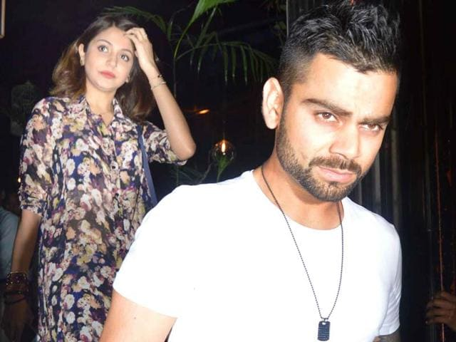 Bollywood-actor-Anushka-Sharma-was-seen-with-cricketer-and-rumoured-beau-Virat-Kohli-at-a-Mumbai-restaurant-recently-All-pics-Yogen-Shah-HTPHOTO