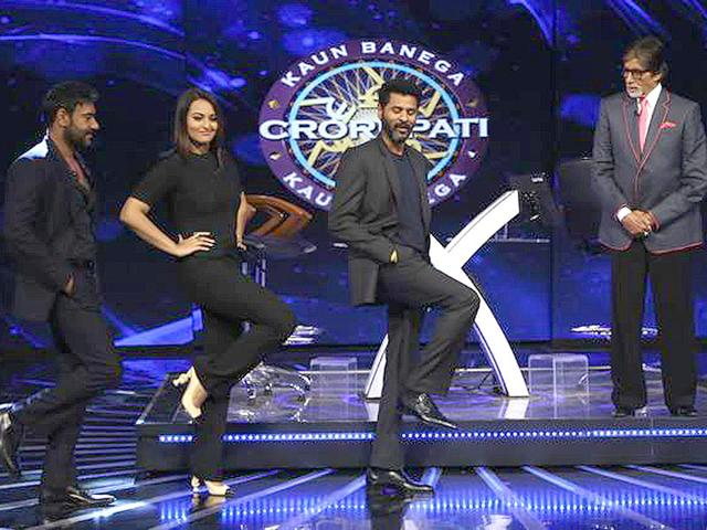 Prabhu-Dheva-shows-off-some-dance-moves-with-his-Action-Jackson-actors-Sonakshi-Sinha-and-Ajay-Devgn-as-Amitabh-Bachchan-shoots-for-the-grand-finale-of-Kaun-Banega-Crorepati-8