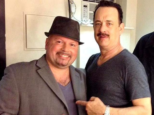 Tom-Hanks-with-cab-driver-friend-Manny-Anzalota-Photo-courtesy-Facebook